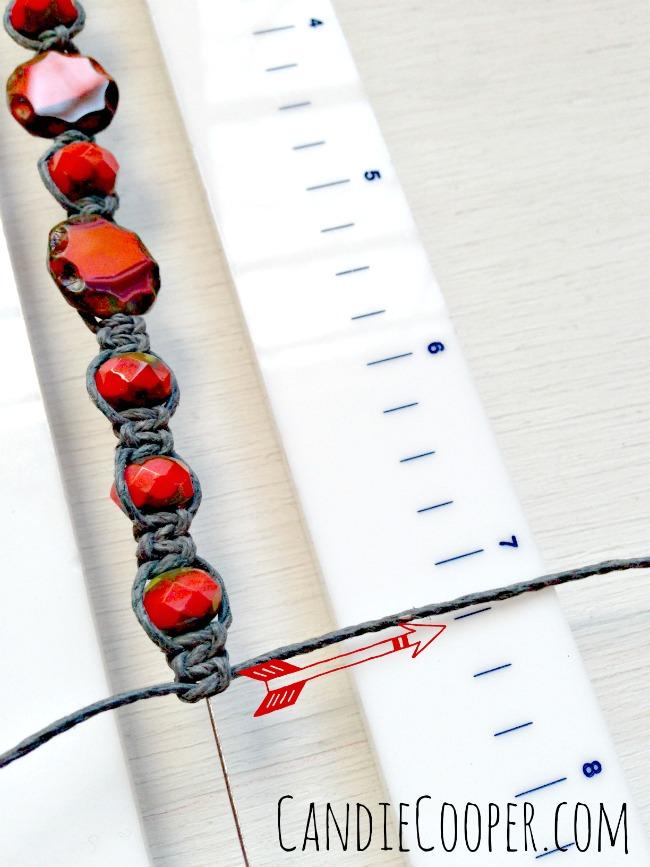 Making an easy bracelet on Beadalon's Tying Station tool