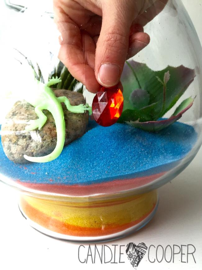 ACTIVA Sand Art Terrarium Kids Craft Idea with glow in the dark creatures13