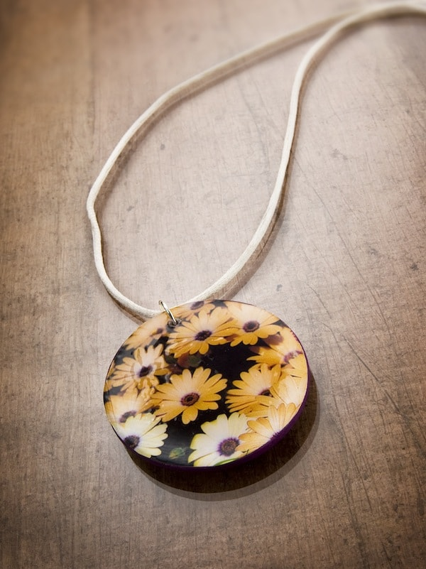 Quick and Easy Holiday GIfts-Mod Podge Necklace